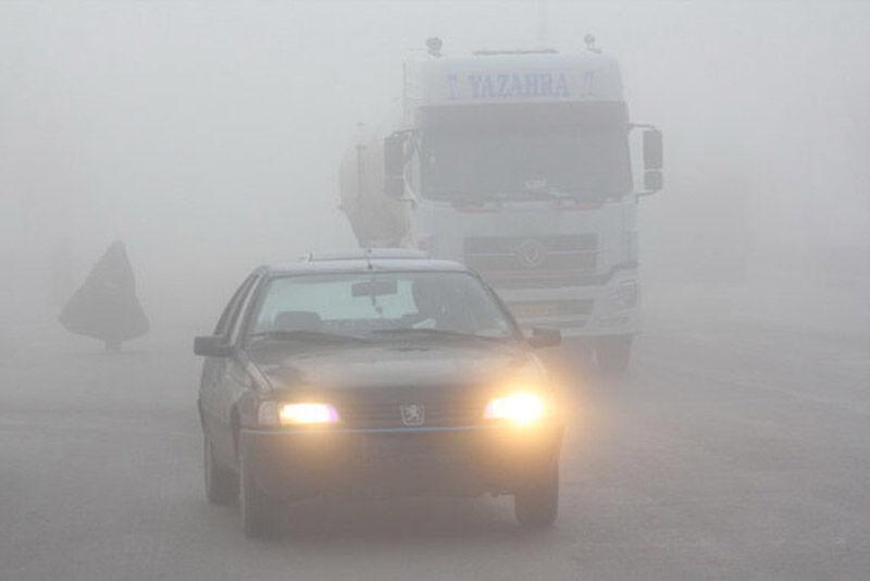 خبرنگاران برف و مه جاده های خراسان رضوی را فراگرفت