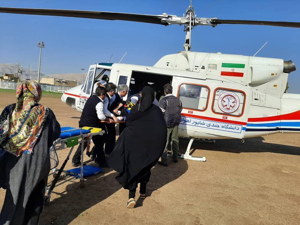 خبرنگاران زن بدحال ایذه ای با اورژانس هوایی به اهواز منتقل شد