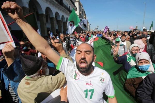 ادامه تظاهرات در الجزایر با درخواست برای آزادی بازداشت شدگان